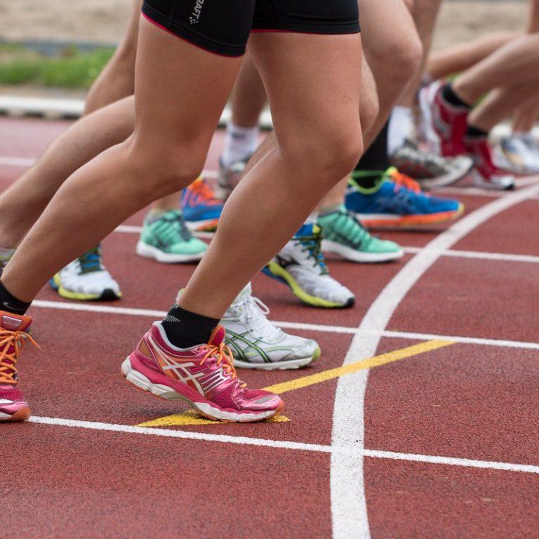 Runners preparing to start race