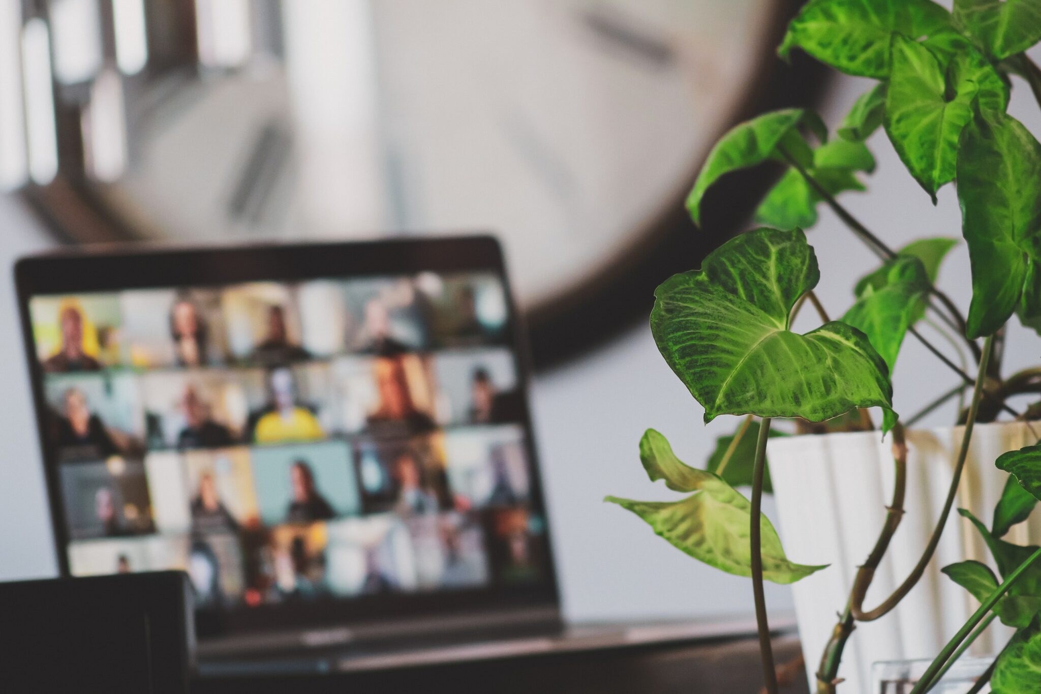 Remote meeting in a hybrid workplace